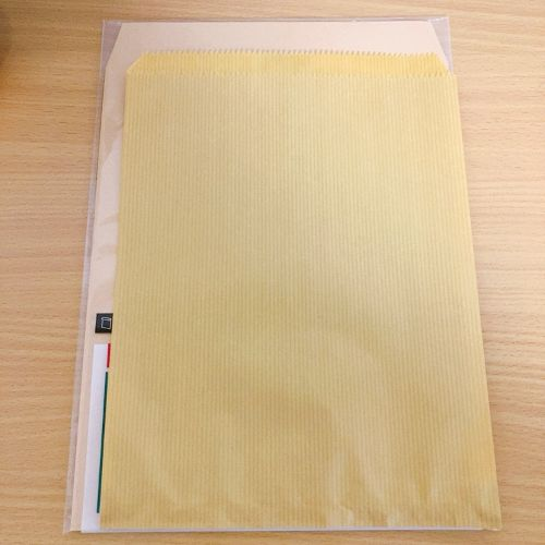 メルカリ 100均 セリア 安い 封筒 本 漫画 ダイソー 梱包